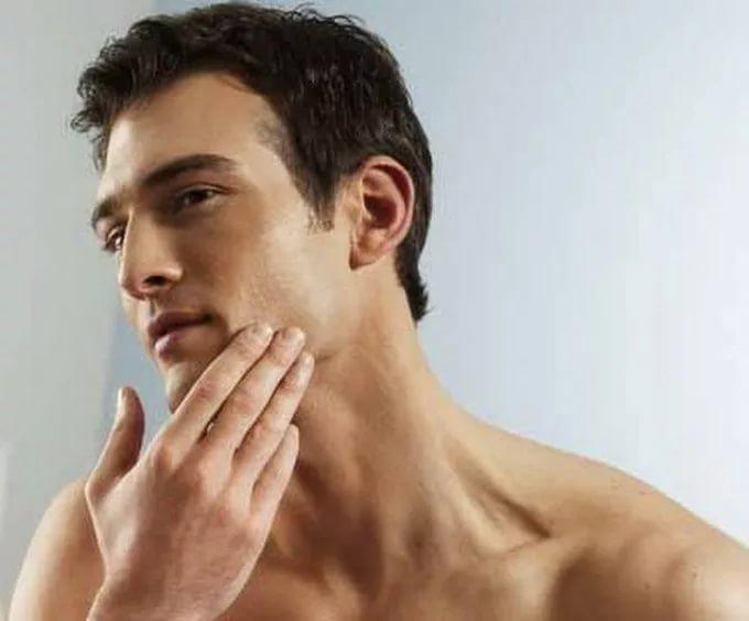 мужчин чувствительной кожей