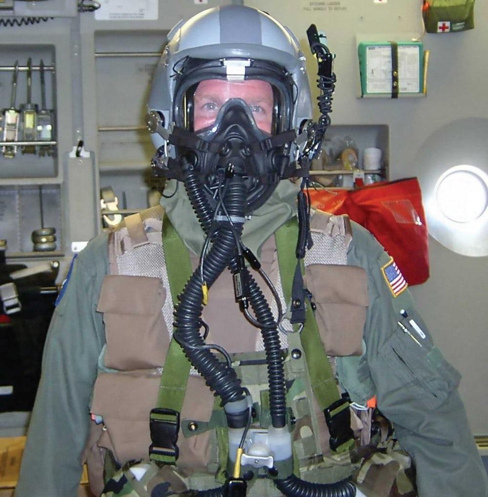ВВС США протестировали новый прототип защитной маски для армейских пилотов