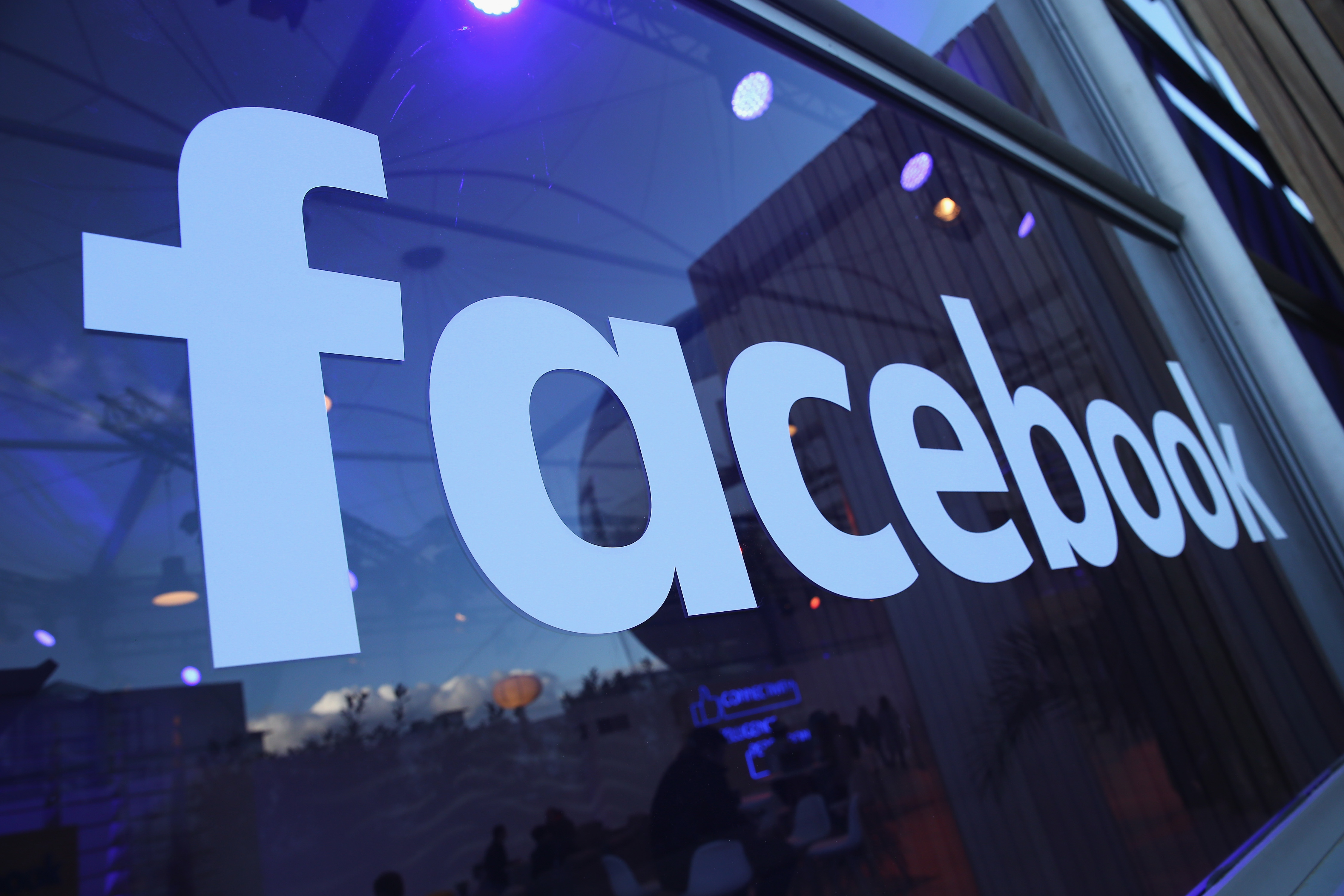 چگونه حساب تبلیغات فیس بوک ایجاد کنیم؟